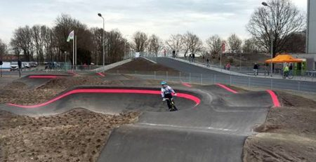 Pumptrackbaan Rode Markeringen en Belijningen